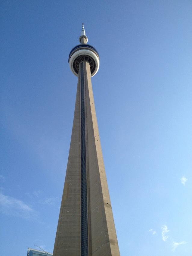 CN Tower (www.umlaphoto.com)