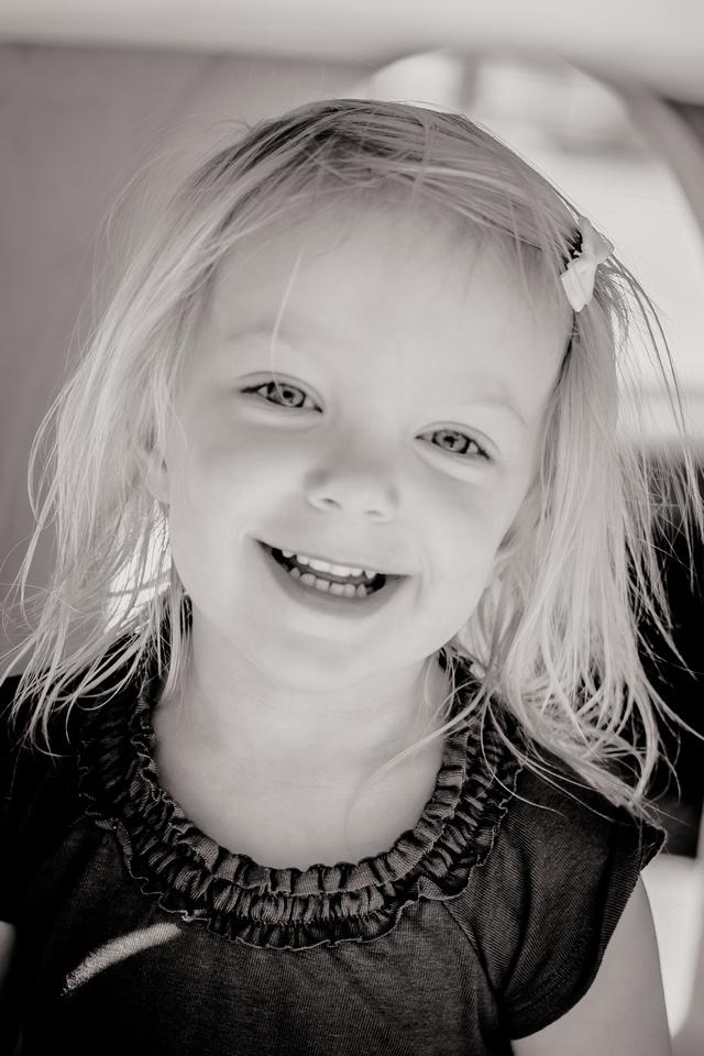 Portrait of a girl (www.umlaphoto.com)